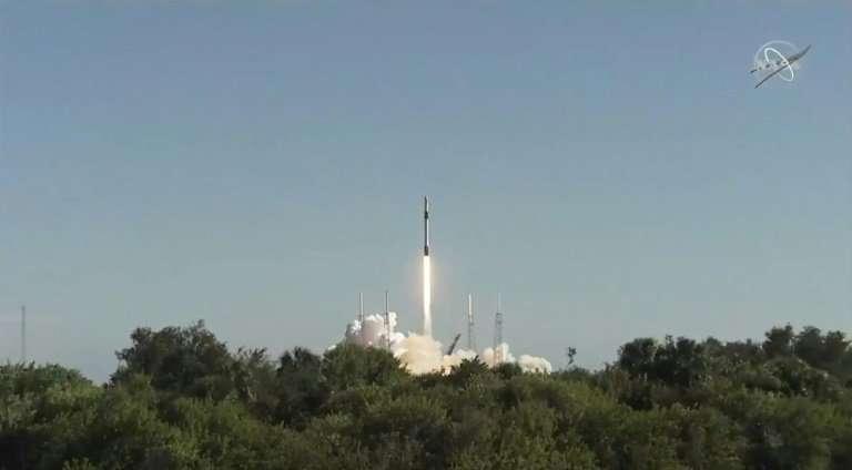 SpaceX发射货物 但没有降落火箭.jpg