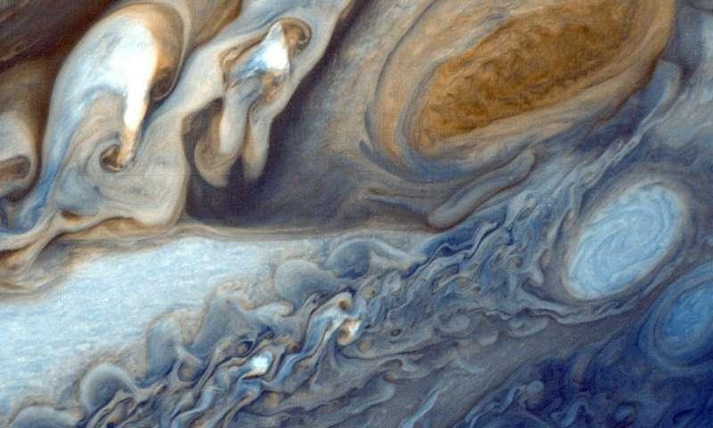 行星天文学家在木星的赤道上发现了壮观的干扰周期.jpg