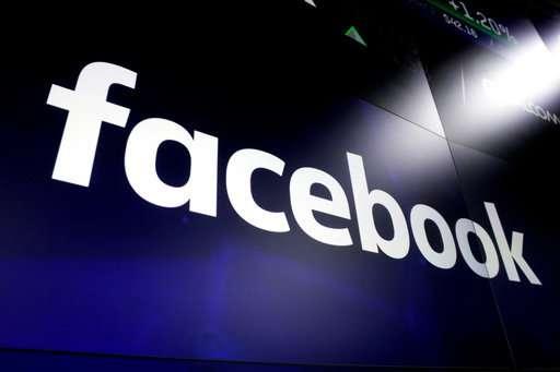 事实检查Facebook松散地定义了许可.jpg