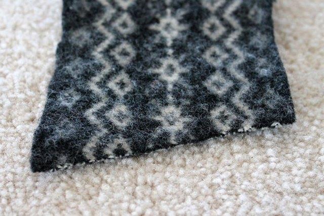 为杯子制作羊毛毡保温套3.jpg