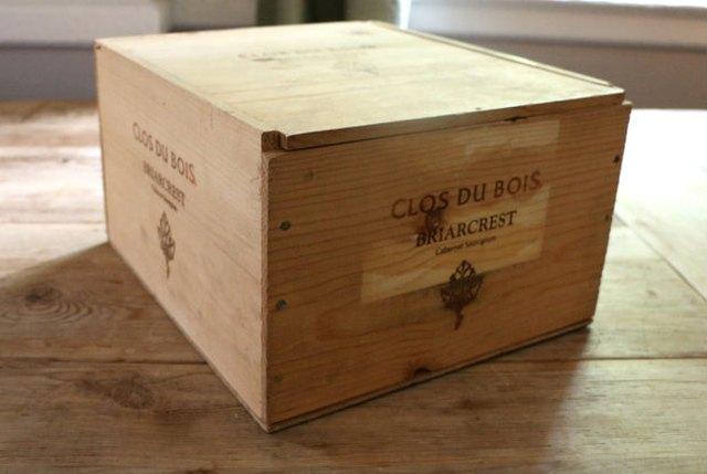 把葡萄酒箱DIY成为电子充电系统1.jpg
