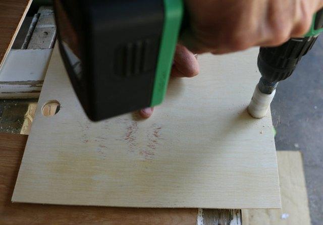 把葡萄酒箱DIY成为电子充电系统5.jpg