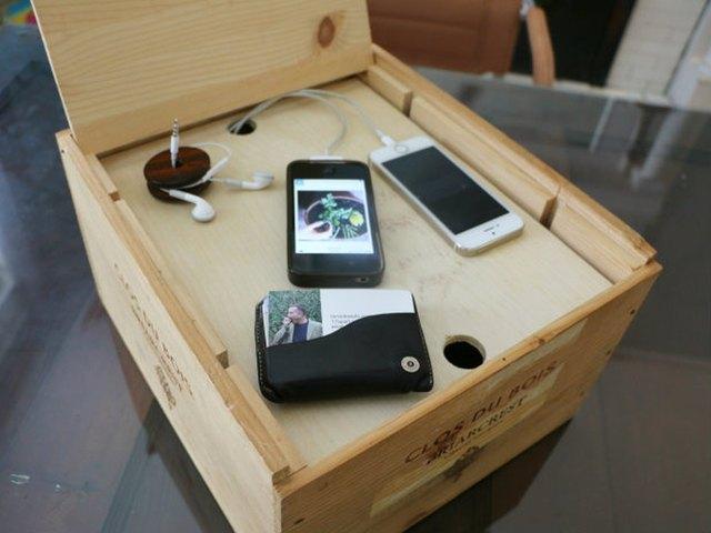 把葡萄酒箱DIY成为电子充电系统7.jpg