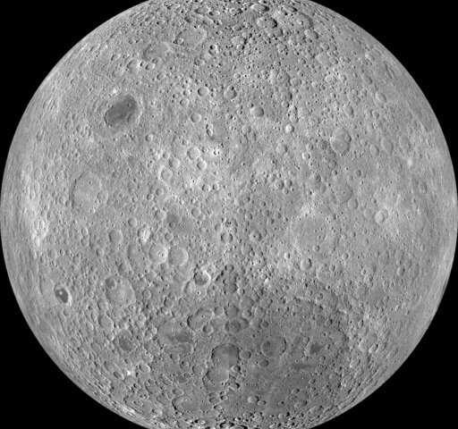 你看不到的月亮背面不是黑暗的 只是远了一些.jpg