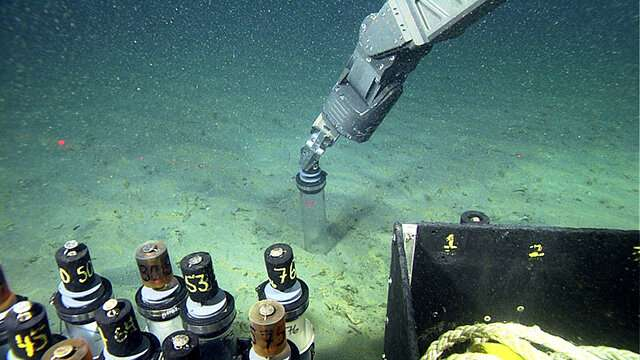 在海底峡谷的强流事件中沉积物如何移动和沉降.jpg